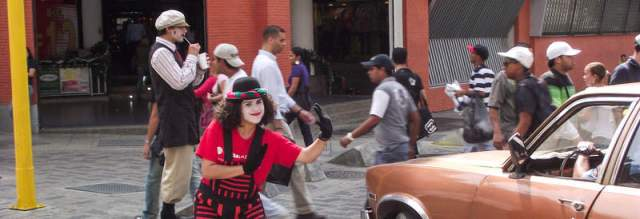 medium-story-traffic-mimes2